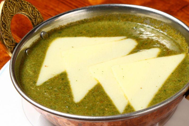 チーズとほうれん草のカレー
