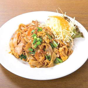 タイ風太麺焼きそば/Fried Wide Noodle Soy Sauce Taste