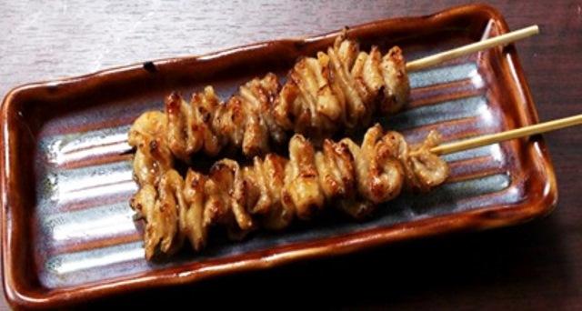 鶏皮串 塩(2本)